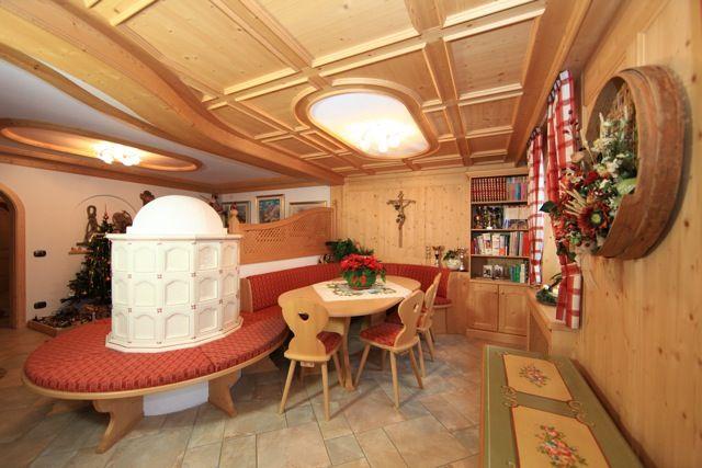 Tavoli da soggiorno moderni e classici tavoli da cucina - Tavoli da cucina allungabili moderni ...