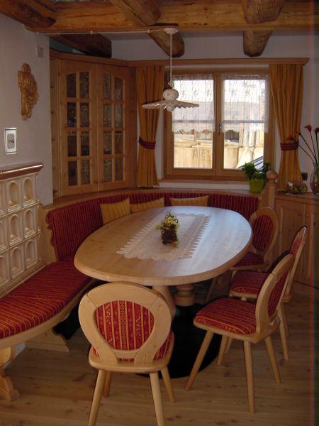 Tavoli da soggiorno moderni e classici tavoli da cucina for Tavolo cucina con panca